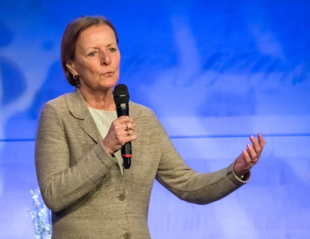 Gerlinde Bernhard, die Grande Dame der BMHS Standesvertretung, verlässt die Bühne