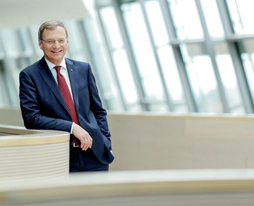 LH Thomas Stelzer zur Förderung von Schule und Bildung und zur Förderung der Ausbildung von Fachkräften